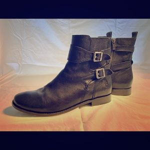 Frye Women's Anna Gore Short Buffalo Leather Boot